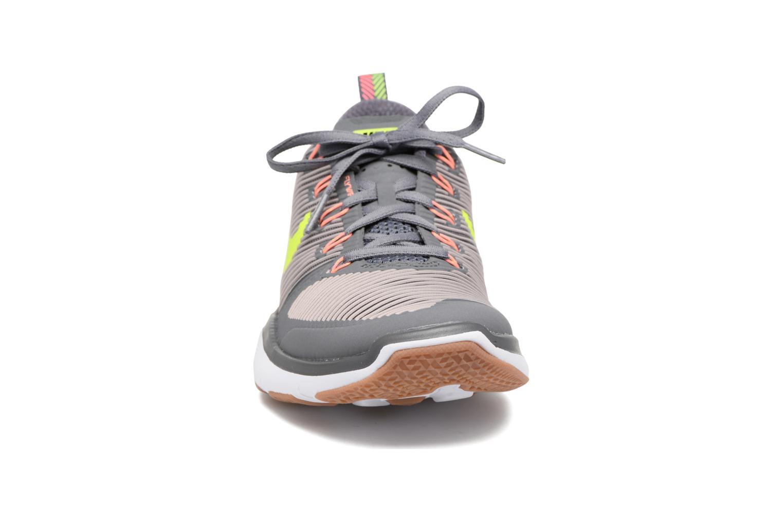 Scarpe sportive Nike Nike Free Train Versatility Grigio modello indossato