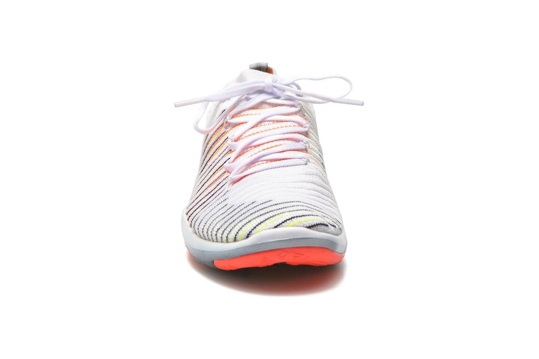 Zapatillas de deporte Nike Wm Nike Free Transform Flyknit Blanco vista del modelo