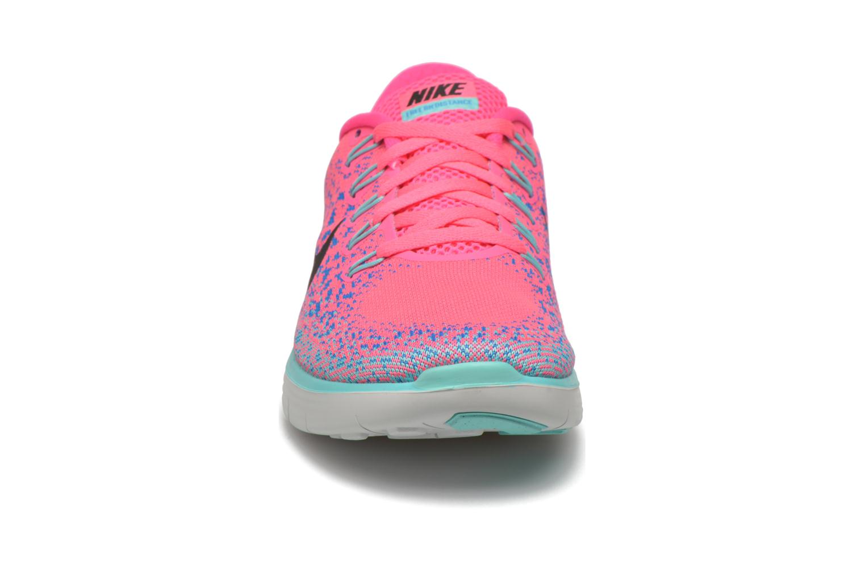 Chaussures de sport Nike Wmns Nike Free Rn Distance Rose vue portées chaussures