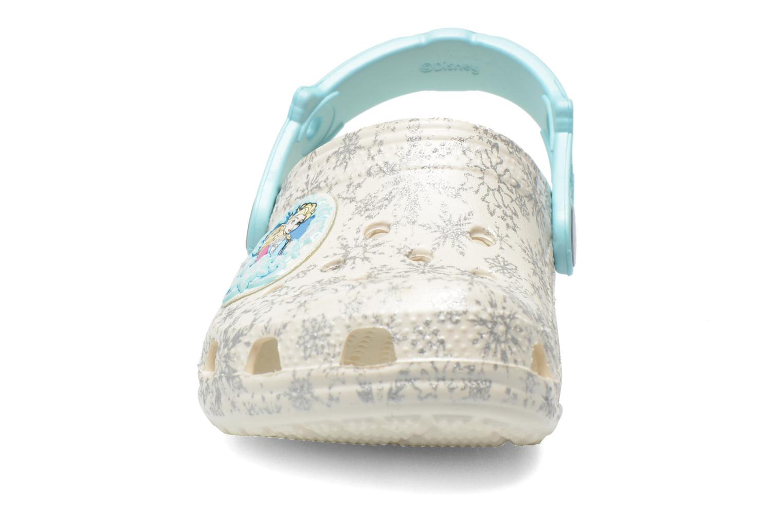 Sandales et nu-pieds Crocs Classic Frozen Clog K Blanc vue portées chaussures