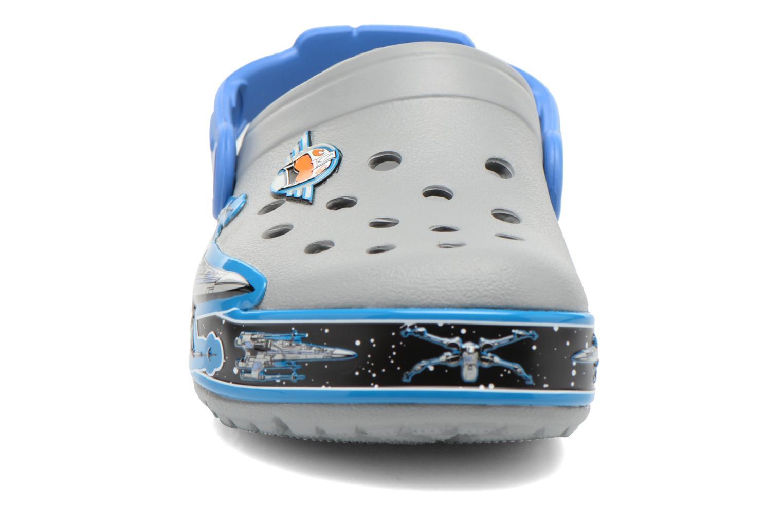 Sandales et nu-pieds Crocs CrocsLights StarWarsXwing Clog Gris vue portées chaussures