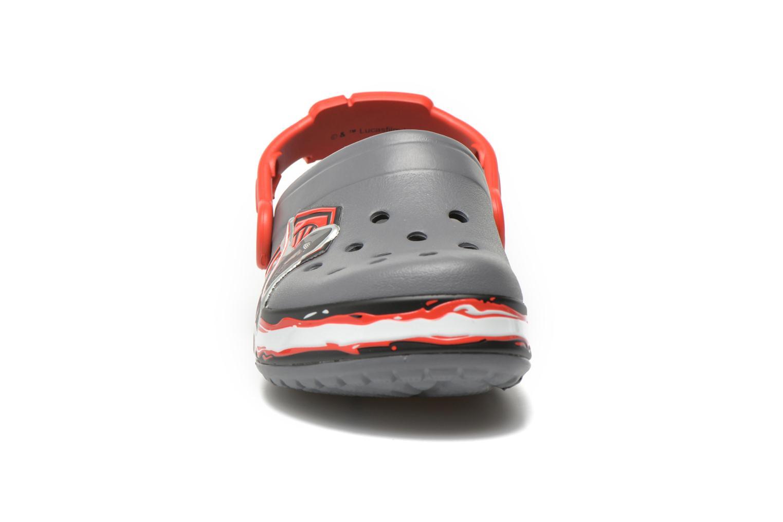 Sandales et nu-pieds Crocs CB Star Wars Villain Clog K Gris vue portées chaussures