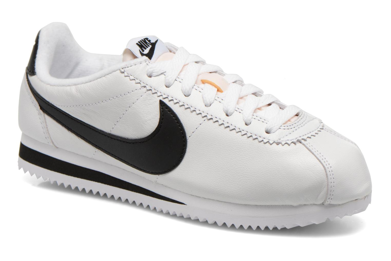 Trainers Nike Classic Cortez Prem W White detailed view/ Pair view