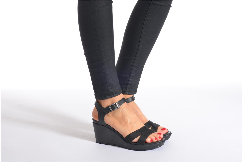 Sandales et nu-pieds Crocs Leigh II Ankle Strap Wedge W Noir vue bas / vue portée sac