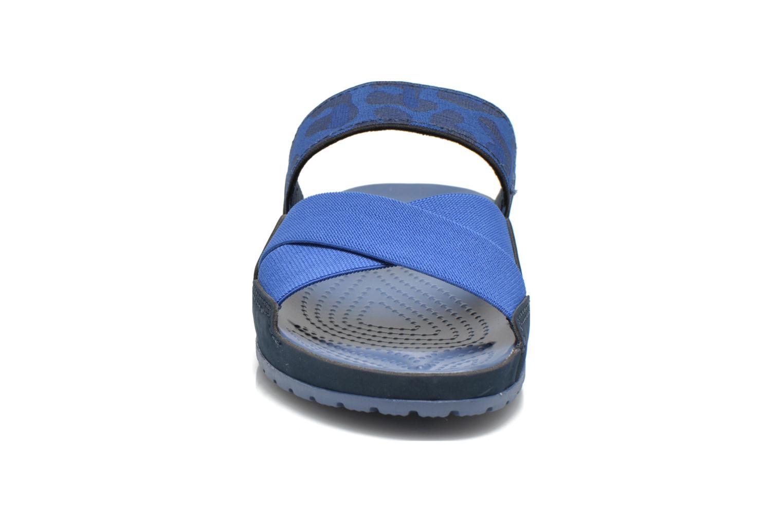 Mules et sabots Crocs Crocs Anna Slide Bleu vue portées chaussures