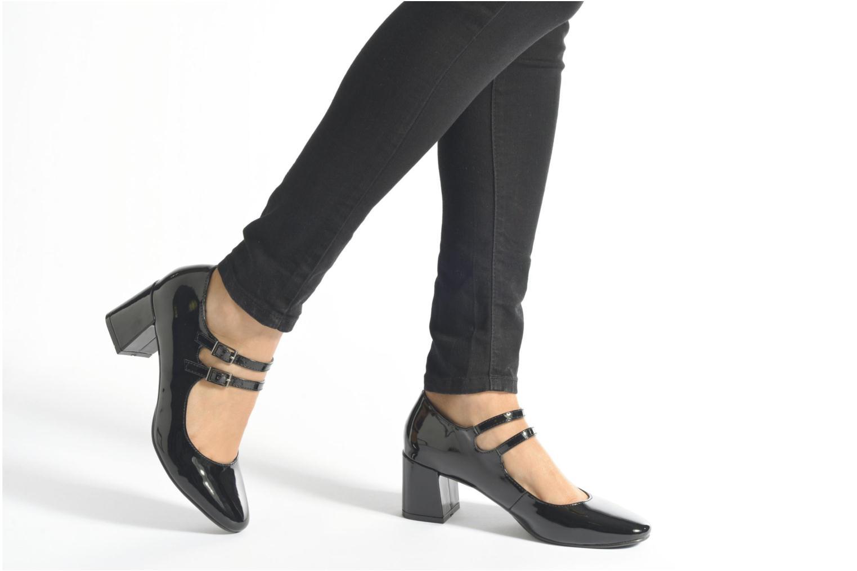 Pumps I Love Shoes KIBABE schwarz ansicht von unten / tasche getragen