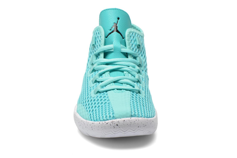 Baskets Jordan Jordan Reveal Bg Bleu vue portées chaussures
