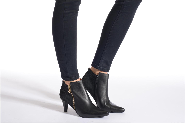 Stiefeletten & Boots Sweet Glizolo schwarz ansicht von unten / tasche getragen