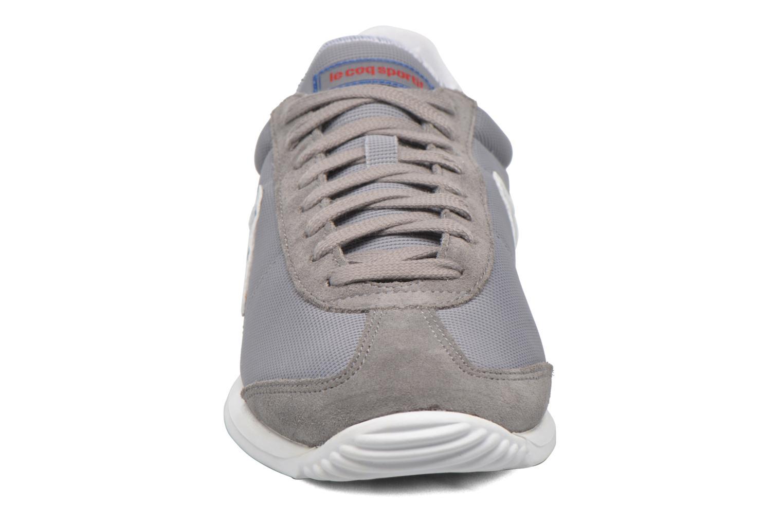 Baskets Le Coq Sportif Quartz Nylon Gris vue portées chaussures
