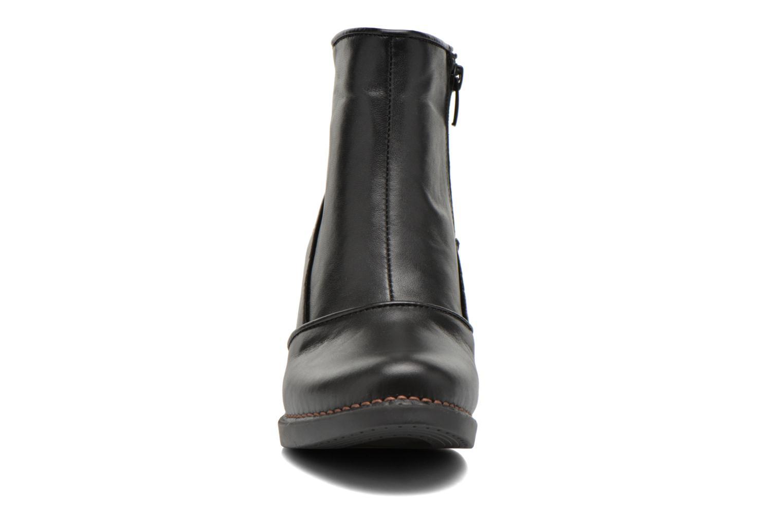 Bottines et boots Art Harlem 945 Noir vue portées chaussures