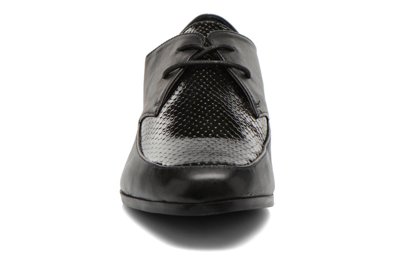 Scarpe con lacci Aldo Flyta Nero modello indossato