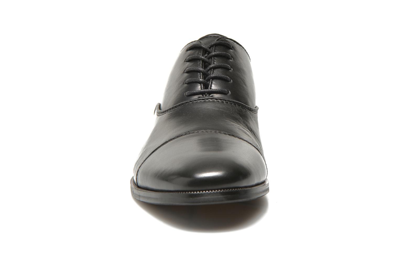 Scarpe con lacci Aldo Tranter Nero modello indossato