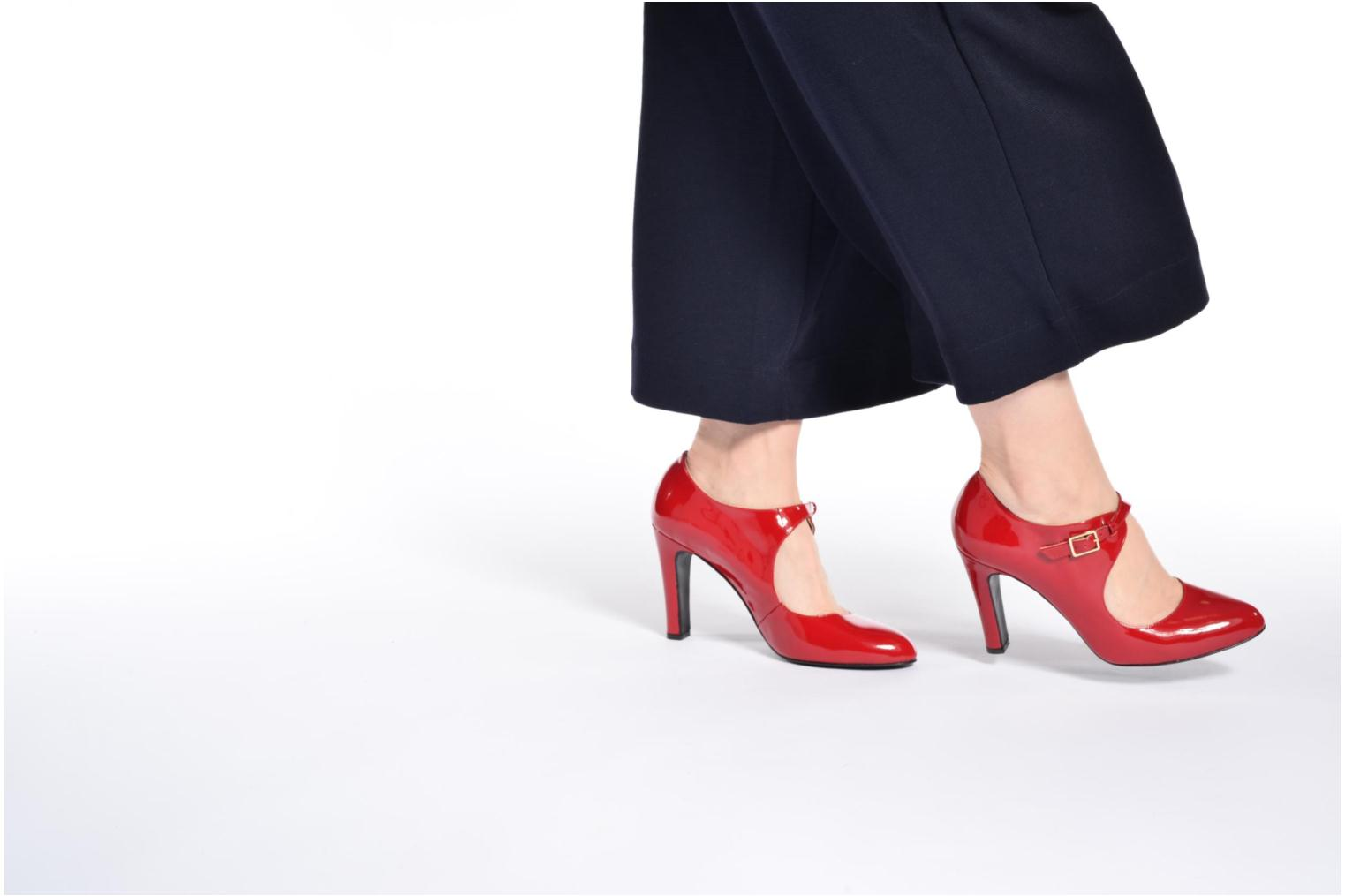 High heels Made by SARENZA Shoe Officer #3 Red view from underneath / model view