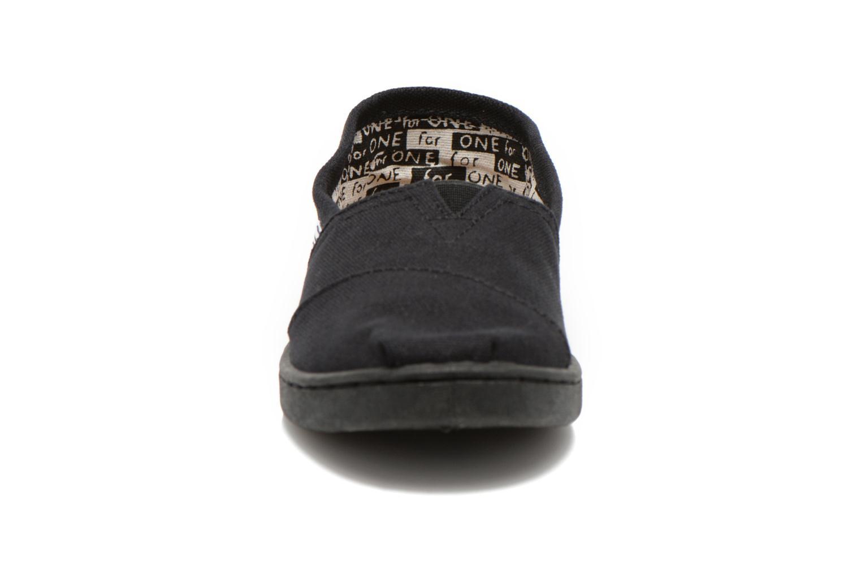 Sneaker TOMS Canvas Classics schwarz schuhe getragen