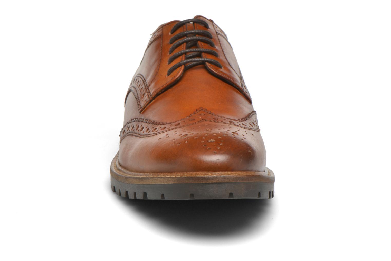 Chaussures à lacets Base London Trench Marron vue portées chaussures