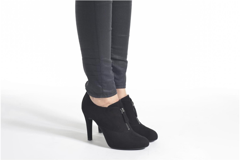 Bottines et boots Unisa Pachi Noir vue bas / vue portée sac