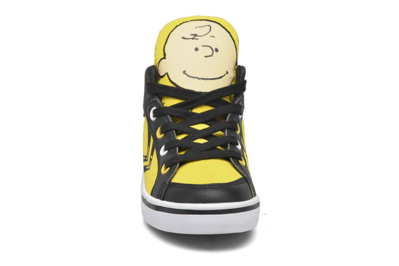 Sneaker Feiyue Delta Mid Peanuts gelb schuhe getragen