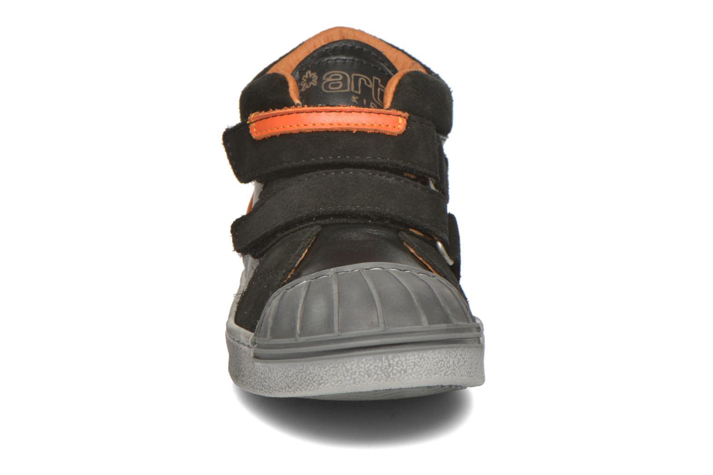 Baskets Art A061 Split Noir vue portées chaussures