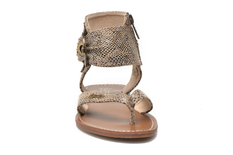 Sandalen Les P'tites Bombes Thalie beige schuhe getragen