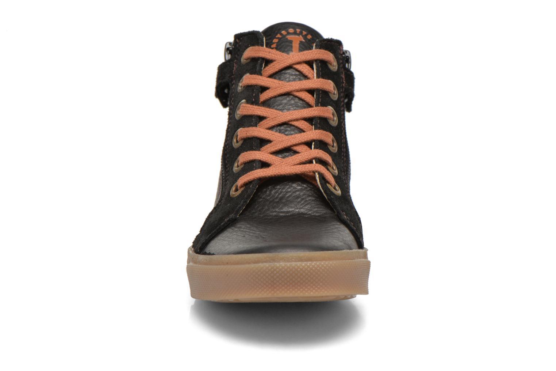 Sneaker Babybotte Kentin2 schwarz schuhe getragen