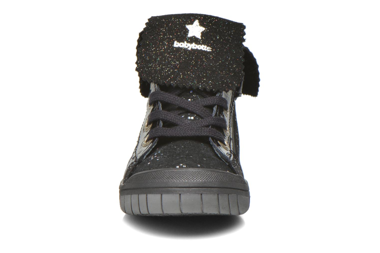 Sneaker Babybotte Artistar schwarz schuhe getragen