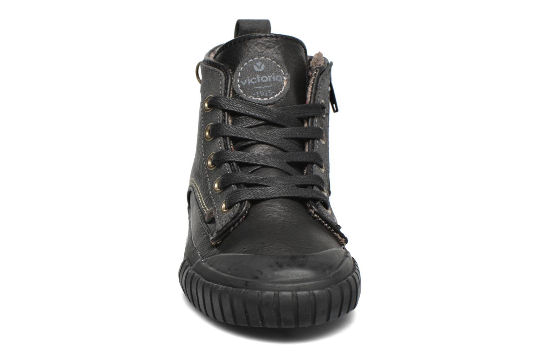 Baskets Victoria Bota Blucher Napa Marron vue portées chaussures