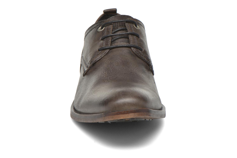 Schnürschuhe Bullboxer Casey grau schuhe getragen