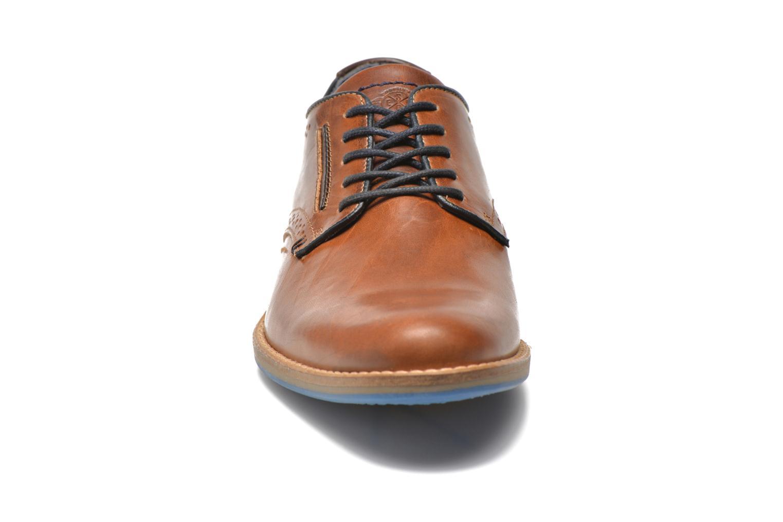 Chaussures à lacets Bullboxer Andre Marron vue portées chaussures