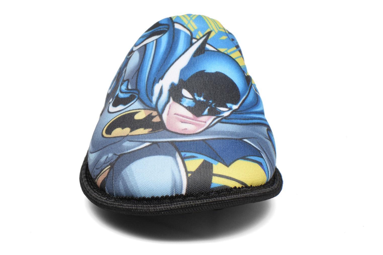 Pantuflas Batman Bat Badar Negro vista del modelo