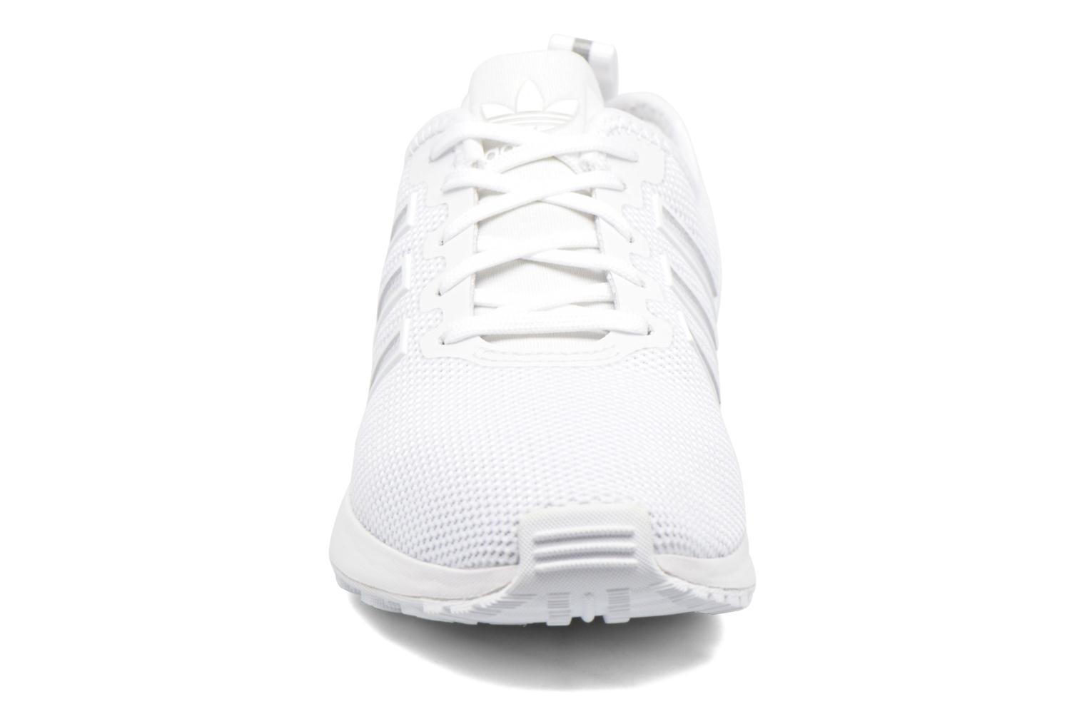 Trainers Adidas Originals Zx Flux Adv J White model view