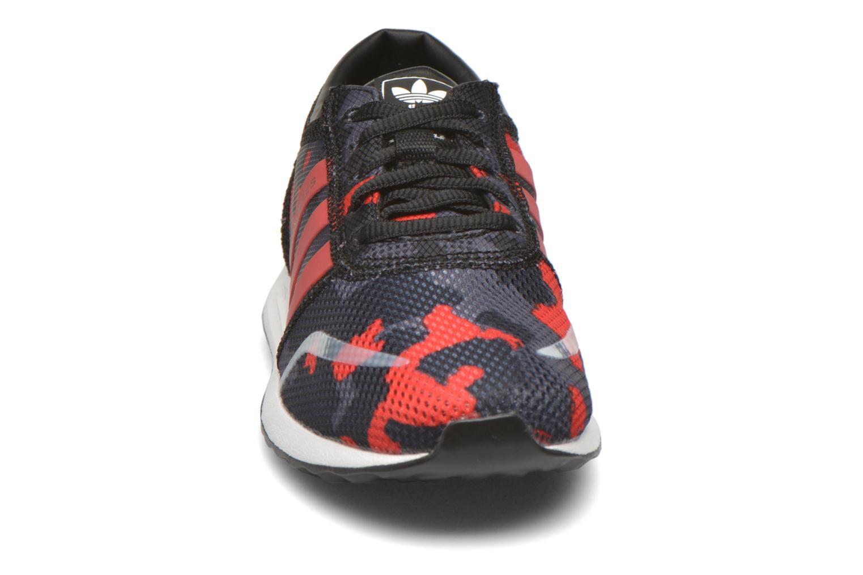 Baskets Adidas Originals Los Angeles C Noir vue portées chaussures