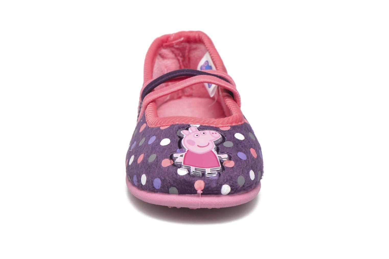 Hausschuhe Peppa Pig Linda lila schuhe getragen