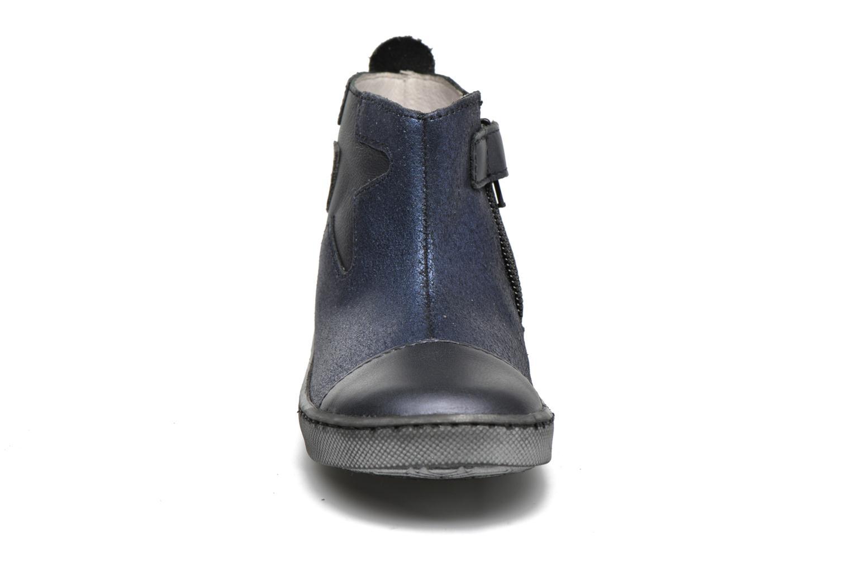 Stivaletti e tronchetti GBB Liat Azzurro modello indossato