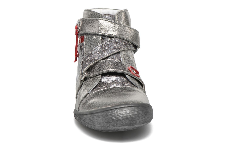 Sneaker GBB Nadette grau schuhe getragen