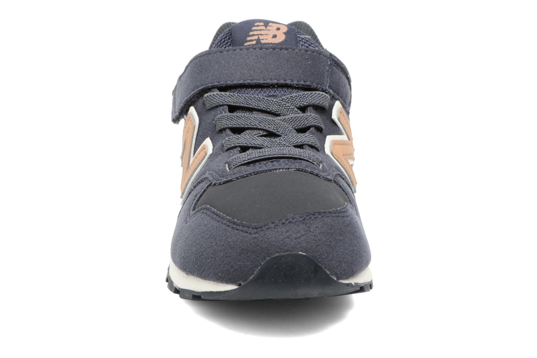 Baskets New Balance KV996 J Bleu vue portées chaussures