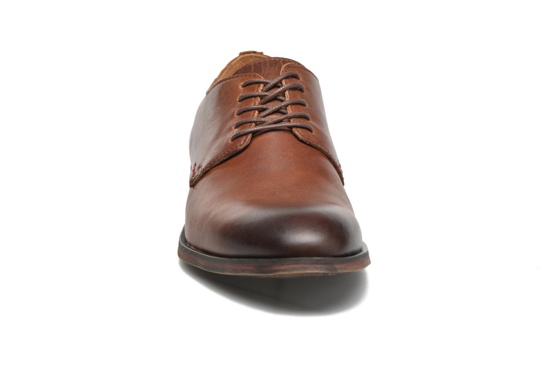 Chaussures à lacets Kickers Darkos Marron vue portées chaussures