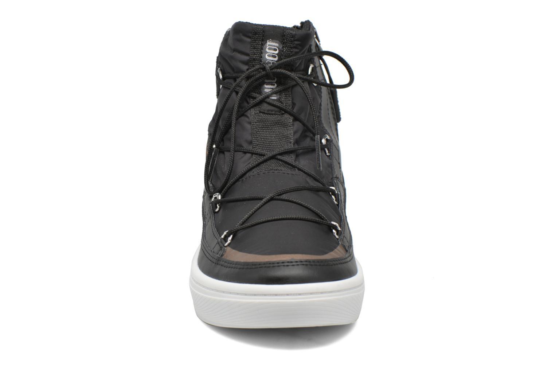 Chaussures de sport Moon Boot Vega Noir vue portées chaussures