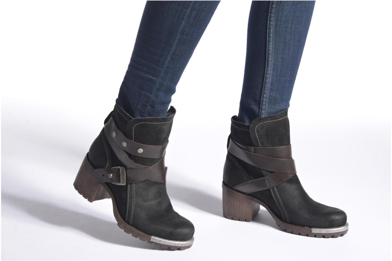 Bottines et boots Fly London Lok Noir vue bas / vue portée sac
