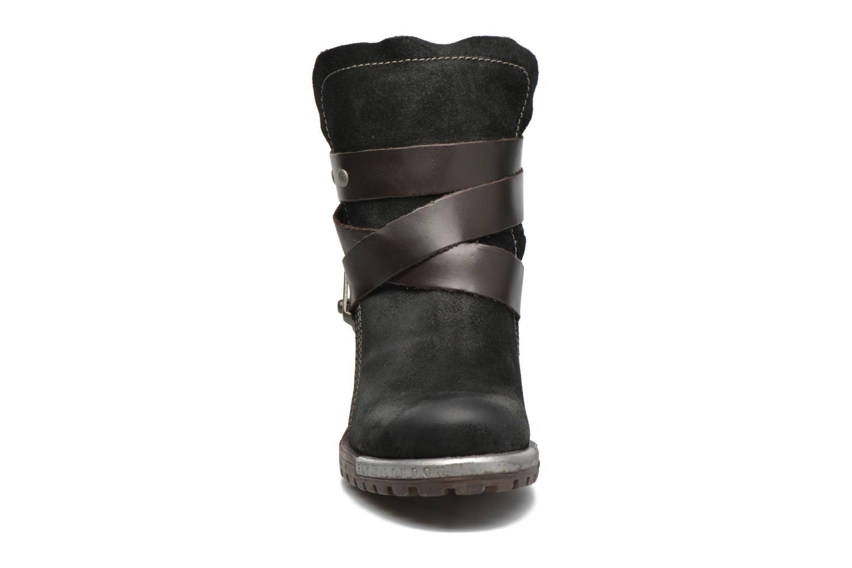 Bottines et boots Fly London Lok Noir vue portées chaussures