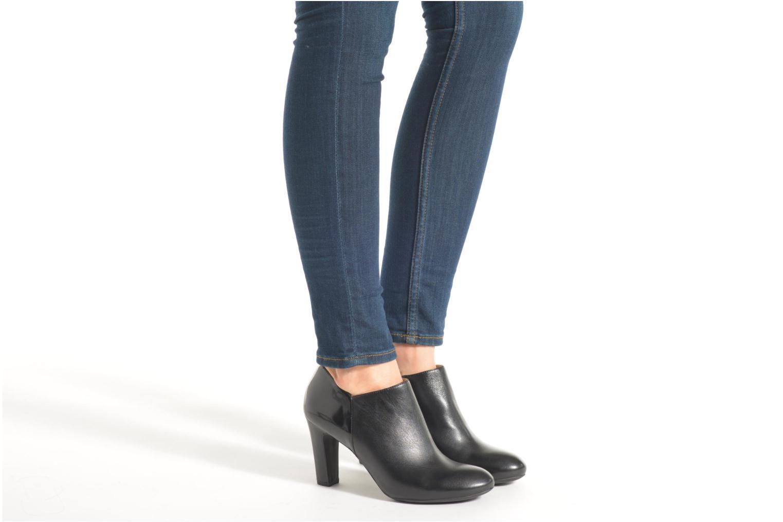 Bottines et boots Geox D NEW MARIELE HIGH. A D6498A Noir vue bas / vue portée sac