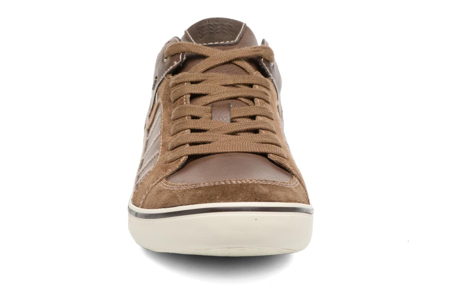 Sneakers Geox U BOX F U64R3F Marrone modello indossato