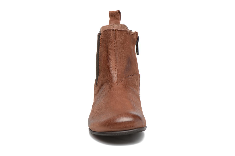 Bottines et boots PèPè Adriana Marron vue portées chaussures