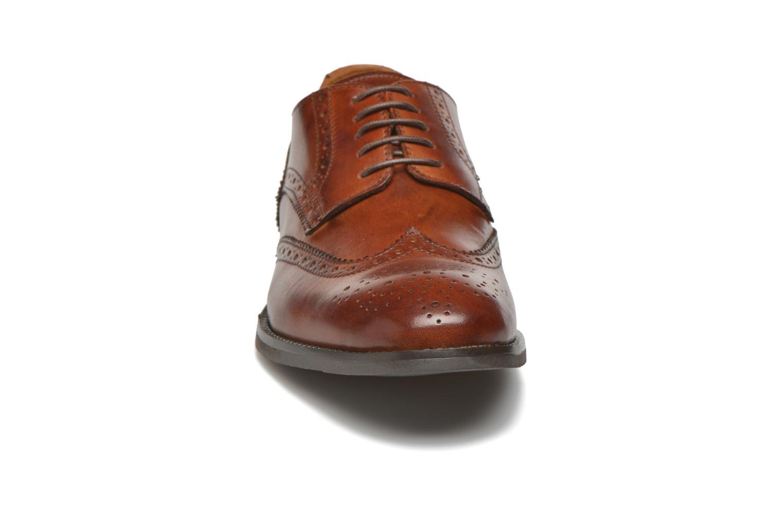 Scarpe con lacci Marvin&Co Newtownabbey Marrone modello indossato