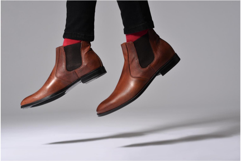 Bottines et boots Marvin&Co Nuneaton Marron vue bas / vue portée sac