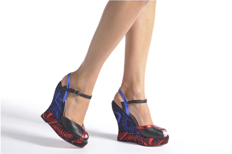 Sandales et nu-pieds Terry de Havilland IZZY PRINT Noir vue bas / vue portée sac