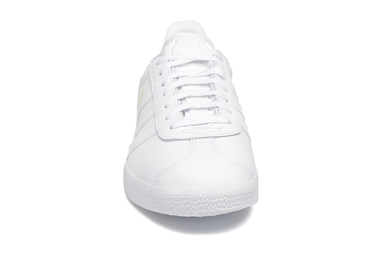 Sneakers Adidas Originals Gazelle W Bianco modello indossato