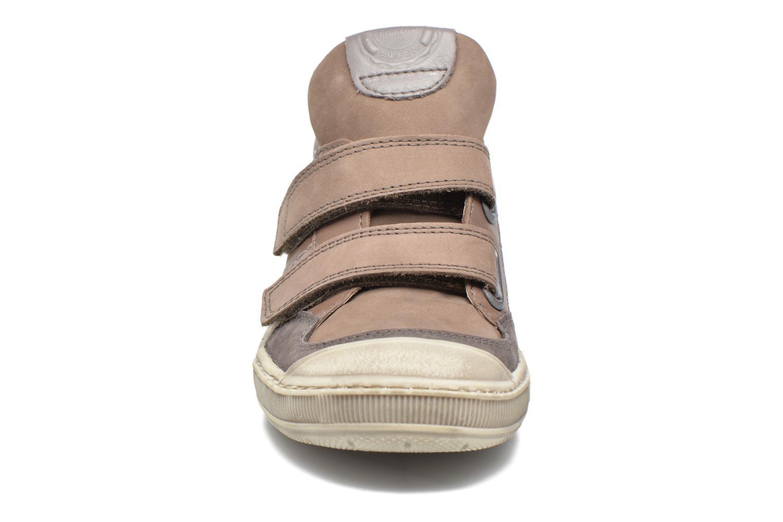 Baskets Kickers Igor Gris vue portées chaussures