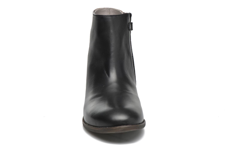 Ankelstøvler Kickers Rusty Sort se skoene på