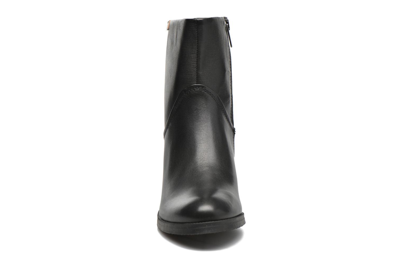 Bottines et boots Pikolinos KENORA W8H-8810 Noir vue portées chaussures
