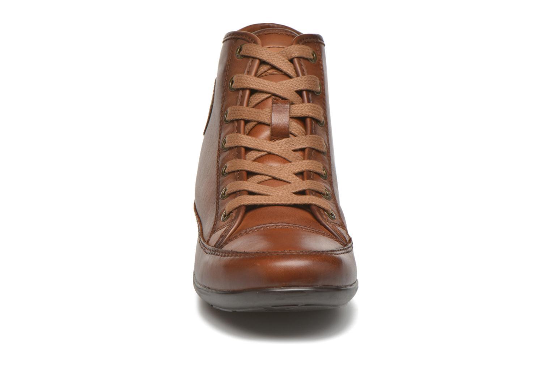Baskets Pikolinos LISBOA W67-9168 Marron vue portées chaussures